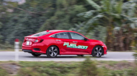Honda Civic tiêu hao nhiên liệu trung bình 4,5 lít/100 km