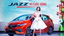 Cận cảnh xe hatchback 5 cửa Honda Jazz